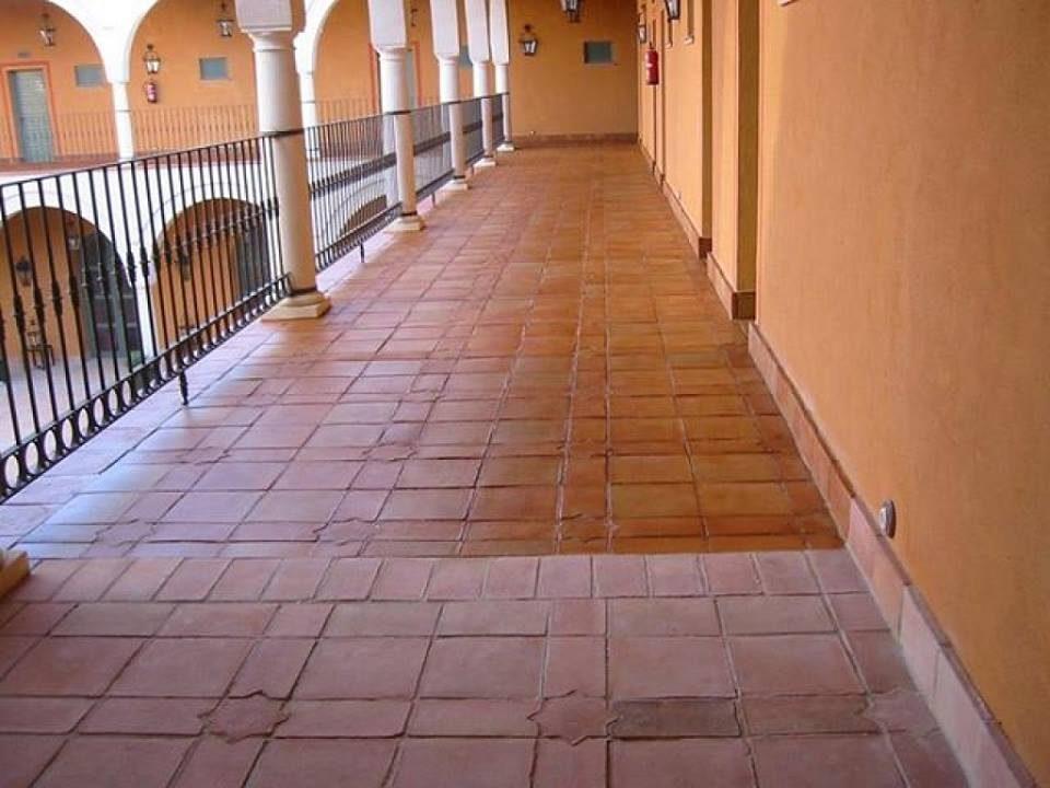 Trattamenti per pavimenti o piani in cotto manutenzione e riparazioni - Ravvivare cotto esterno ...