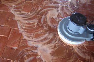 Come restaurare un pavimento in cotto